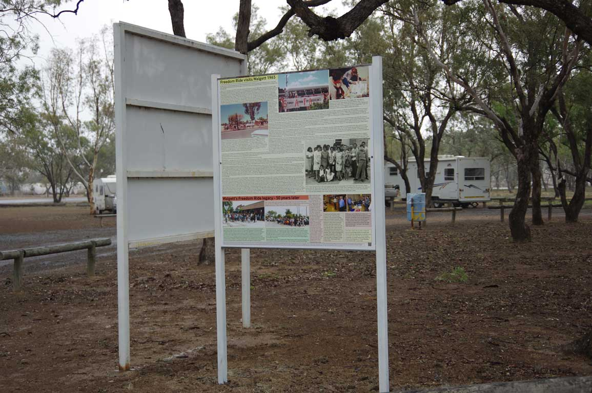 Interpretive sign remembering the Freedom Ride visit to Walgett in Trevallion Park