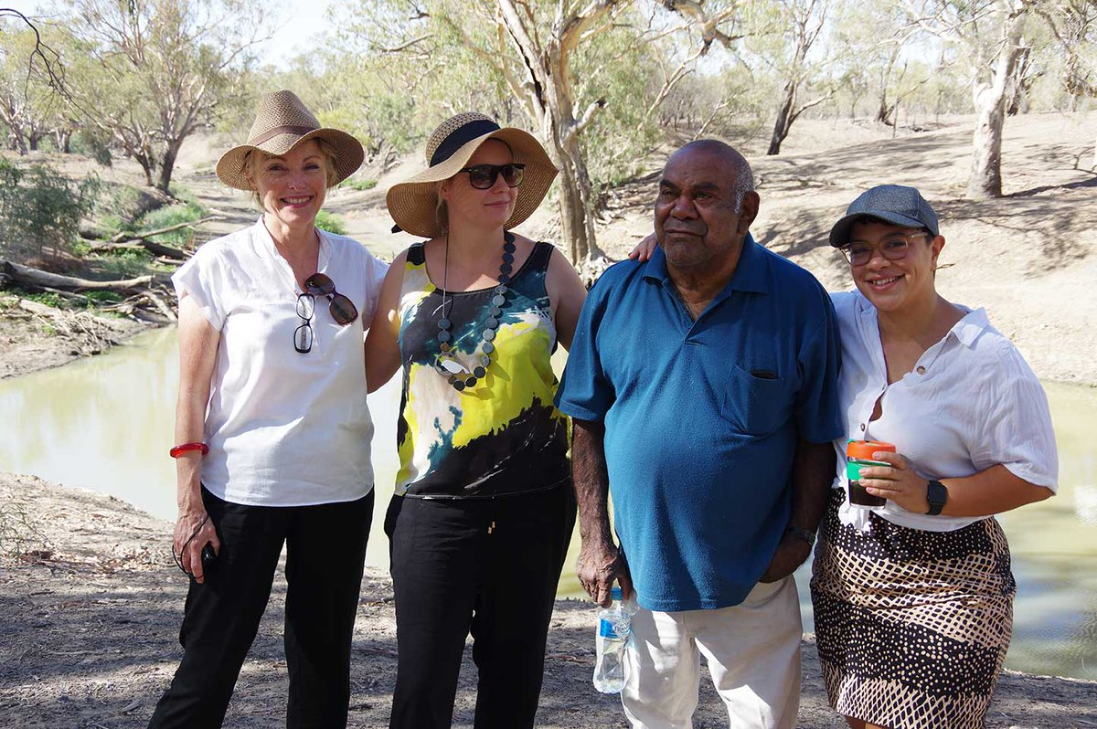 Our Built Environment guests at the junction of the Namoi & Barwon Rivers with UNSW Yuwaya Ngarra-li Project Manager Peta MacGillivray, DEG Speaker Clem Dodd.